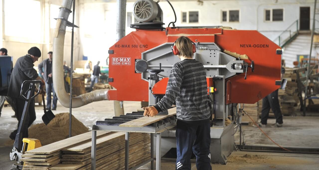 Manufacturing lamellas (sawn veneer)
